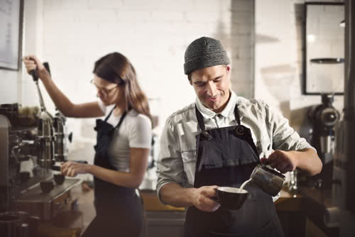 Barista uses equipment, upgraded as one of the business new year's resolutions