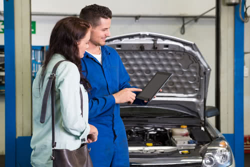 Mechanic uses marketing psychology strategy to boost sales with customer